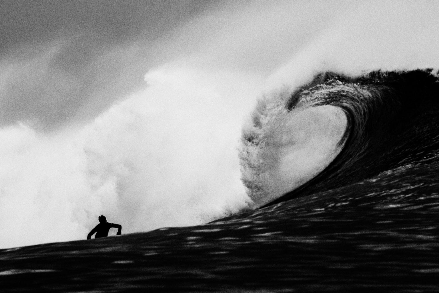 un surfeur à Guethary